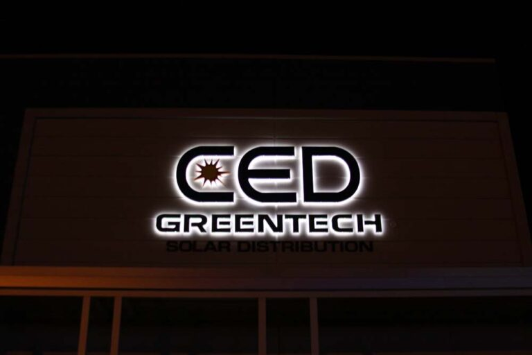 DISCOVER THE BENEFITS OF ILLUMINATED BUSINESS SIGNS