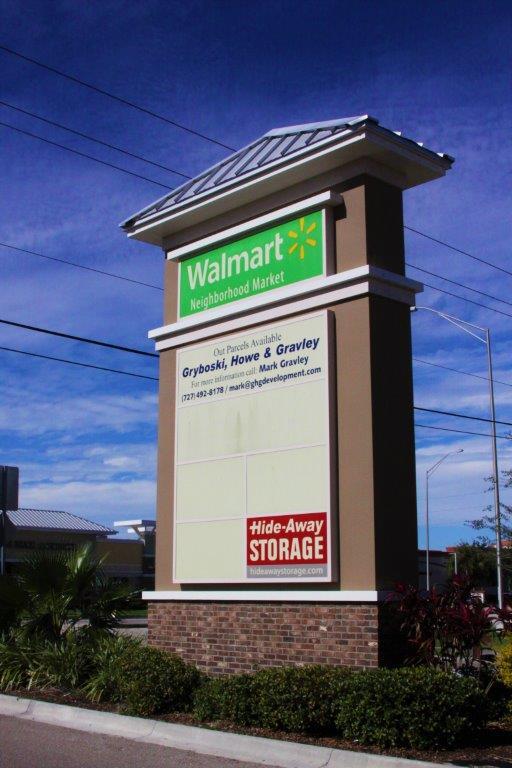PYLON SIGNS IN TAMPA, FLORIDA